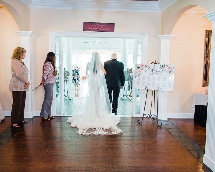 Bride-entering-the-big-room