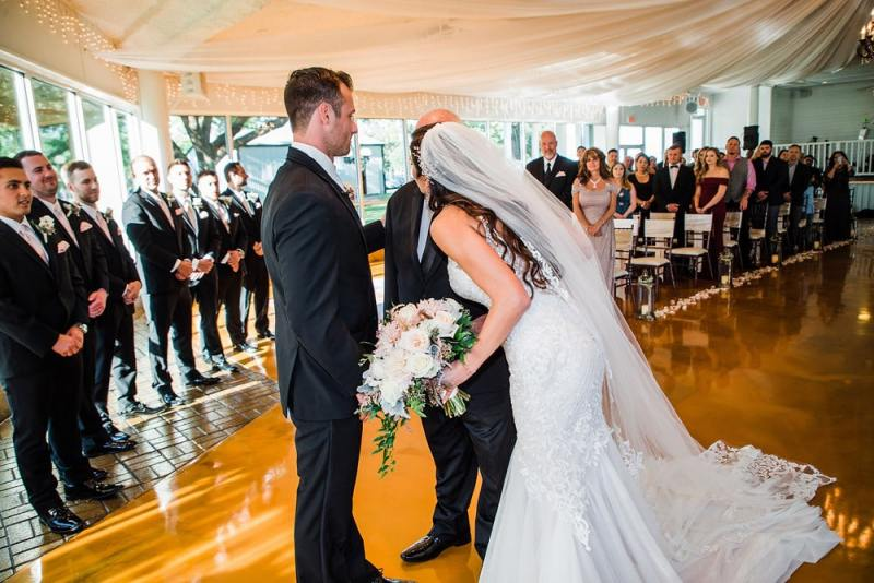 Bride-with-her-Father-waked-down-the-aisle-min