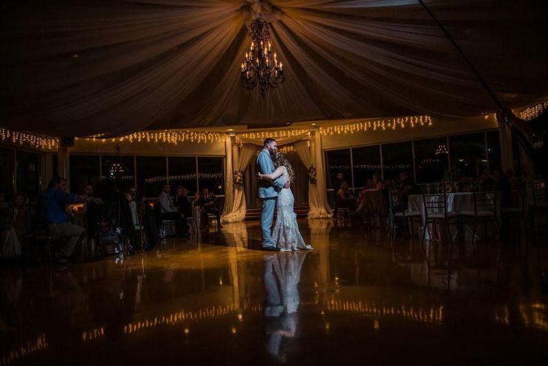 Couple-Sweet-Dance