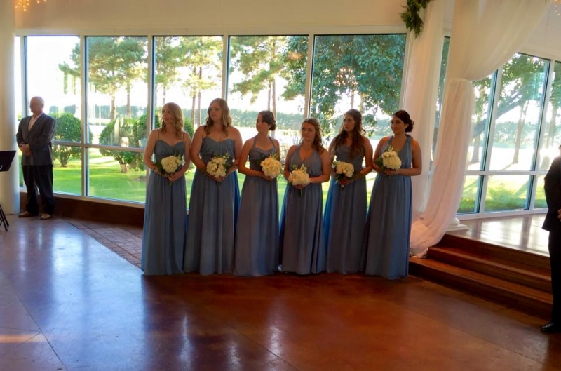 beautiful outdoor views during an indoor ceremony