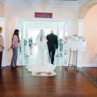 Bride-entering-the-big-room