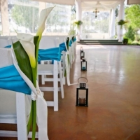fresh and bright styles for an indoor wedding