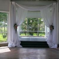 simple yet elegant indoor weddings