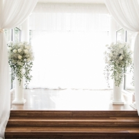 altar flowers and decor at a Houston indoor wedding