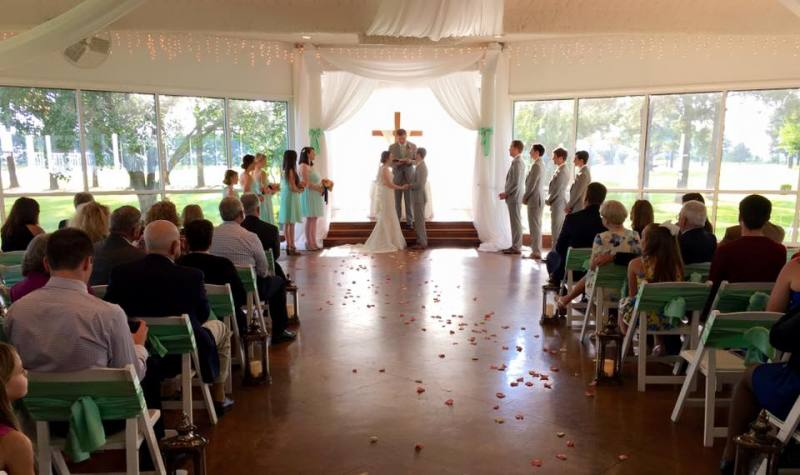 indoor-summer-wedding-at-House-Planation