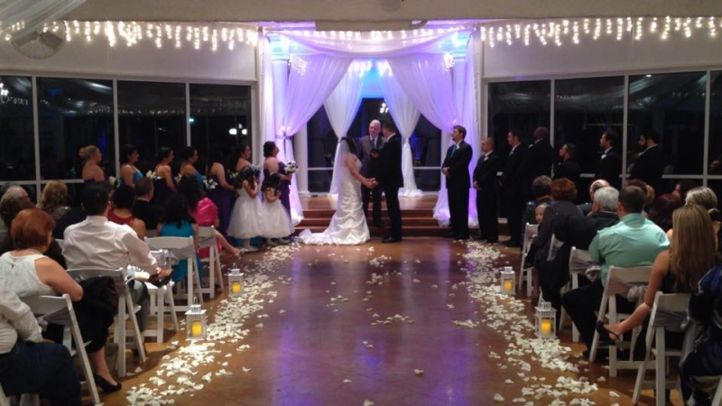 indoor wedding house plantation