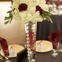 flowers-and-vase-centerpieces-min