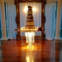 amazing wedding cake.jpg