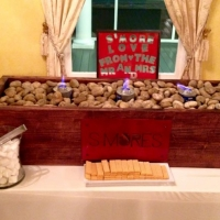 awesome smore idea for wedding guests