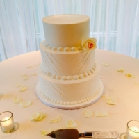 simple and sleek wedding cake.jpg