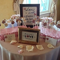 wedding cake pop treats