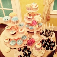 wedding cupcakes and treats