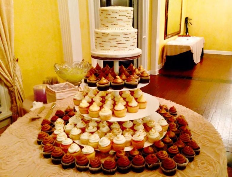 Tasty And Creative Wedding Cake Spread