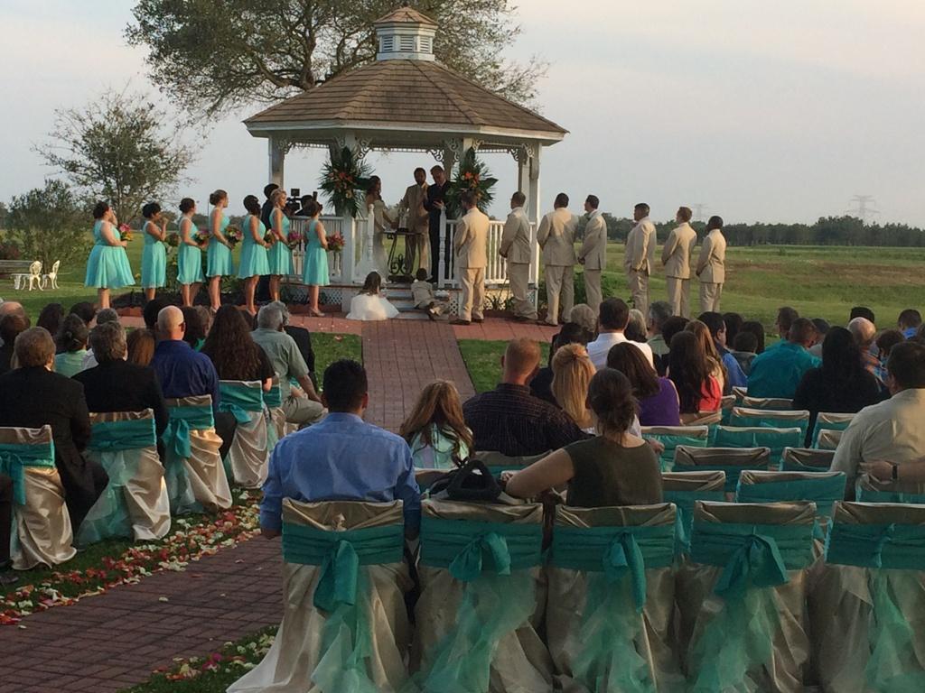 wedding vows in an outdoor ceremony wedding venue in Houston Tx