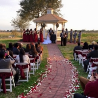saying I do at an outdoor wedding in February
