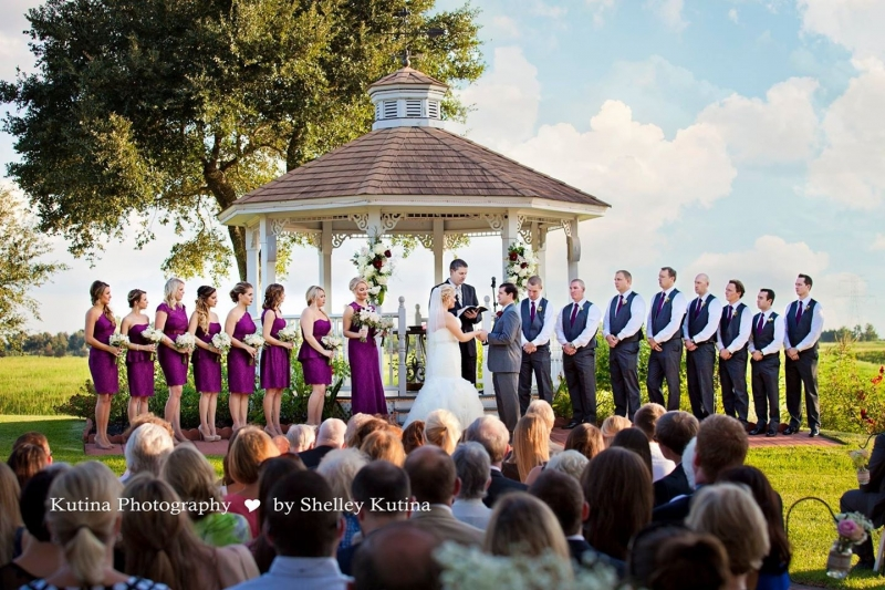 outdoor wedding pic -houston outdoor wedding venue