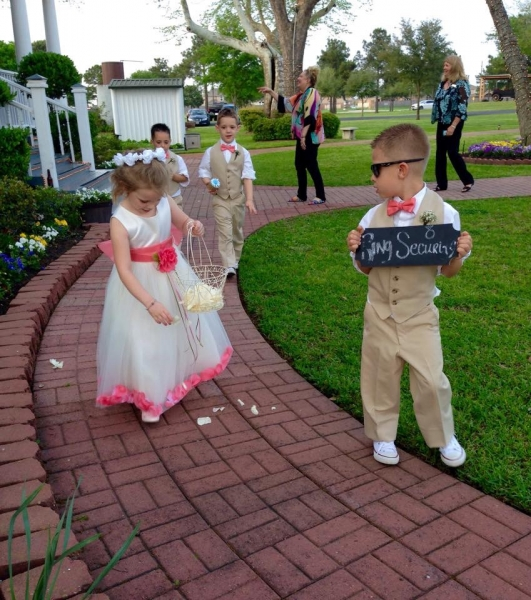 wedding party children walking down the aisle.JPG