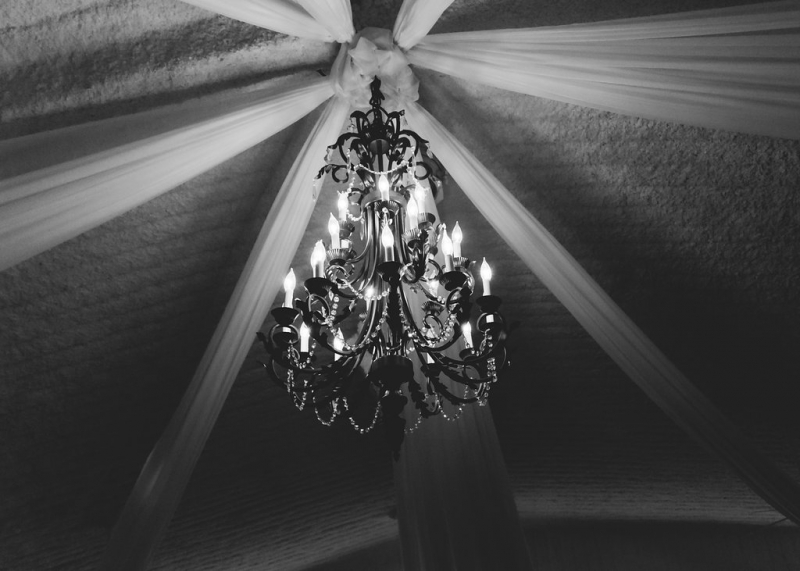 Elegant chandlier in the grand room