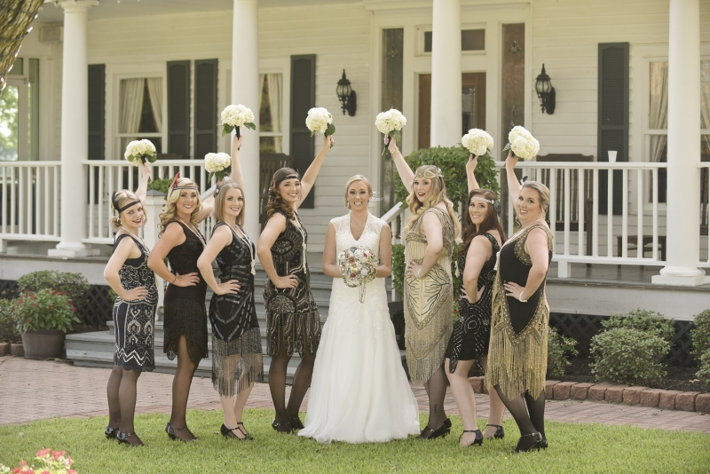 Great Gatsby wedding party with bride