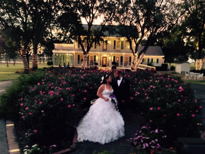 roses at House Plantation - wedding venue photos
