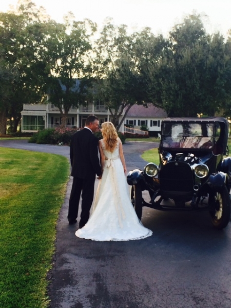 a walk to House Plantation - wedding venue photos