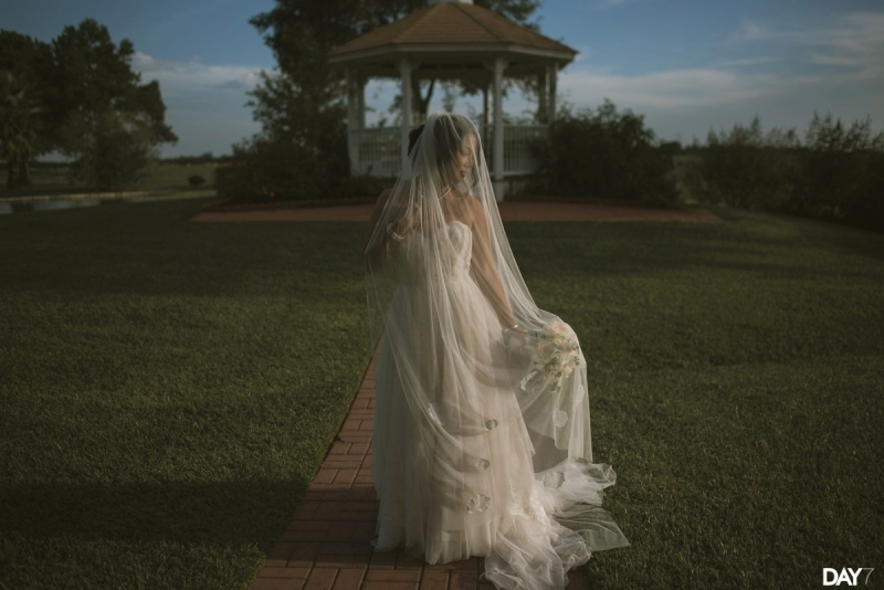 beautiful photo ops of bride and gazebo