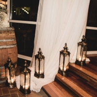wedding lanterns and decor