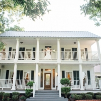 Bridal pictures at House Plantation in September