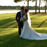 kiss by the lake on a september day at House Plantation