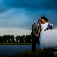 outdoor weddings by the lake in Houston