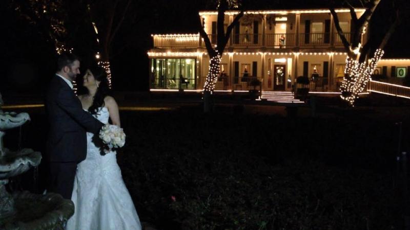 night wedding at house plantation - wedding venue photos