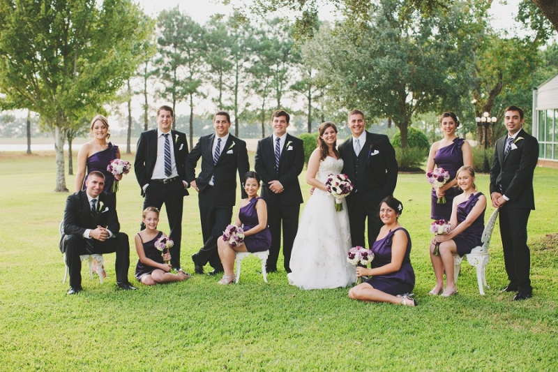 outdoor wedding pics at house plantation