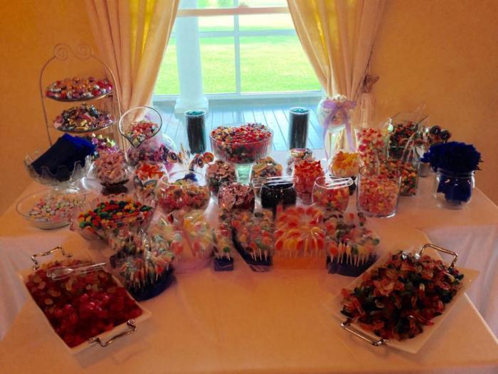 Sweet treat candy wedding decor house plantation