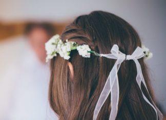 wedding hair for bride house estate